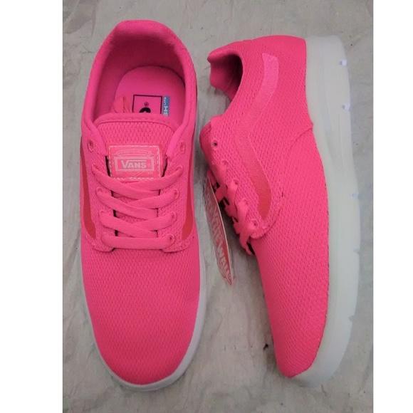 b4b395bc909445 Vans Lightweight Shoes Women 65 New In Box